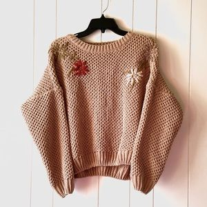 Listicle Women's Sweater Size Medium